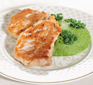 Рецепт Свиные отбивные с пюре из зеленого горошка