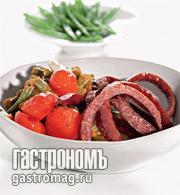 Рецепт Зеленая фасоль с томатами и охотничьими колбасками