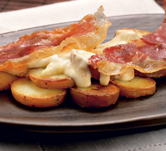 Рецепт Теплый картофельный салат с хрустящей ветчиной