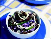 Рецепт Краснокочанная капуста с сырными крутонами и тминными айоли