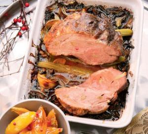 Свинина, запеченная с чесноком и имбирем