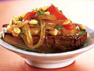 Рецепт Баклажан с карамелизованным луком и кедровыми орешками