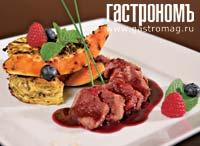 Рецепт Косуля с папайей и омлетом из древесных грибов под соусом из лесных ягод