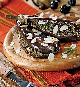 Рецепт Баклажаны с кремом из тапенада с миндалем