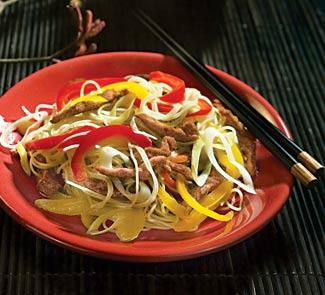 Рецепт Яичная лапша с телятиной и сладким перцем
