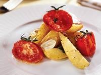 Рецепт Салат из запеченных томатов и картофеля