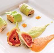 Рецепт Куриное филе-миньон с луком-пореем, муссом из авокадо и моркови от Павла Рогожина