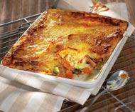 Рецепт Картофельная запеканка с мясом индейки и клюквенным соусом