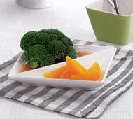Рецепт Отварная брокколи с соусом из томатов, чеснока и апельсинов
