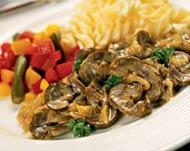 Рецепт Говяжьи почки с грибами в сметанном соусе