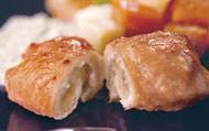 Рецепт Рулетики из индейки с яблочным пюре и овощным гарниром