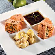 Рецепт Атлантический лосось с артишоками и соусом из красного вина