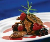 Рецепт Утиное филе под соусом из летних ягод