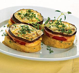 Рецепт Закуска из баклажанов, помидоров и сыра