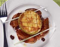 Рецепт Гусиная грудка с яблочным фланом