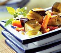 Рецепт Запеченные баклажаны с морковью и перцем
