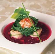 """Рецепт Борщ с морскими гребешками и креветочным мешочком """"Сюрприз"""", обернутым в черную капусту"""