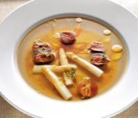 Рецепт Бульон из артишоков с белой спаржей и филе ягненка