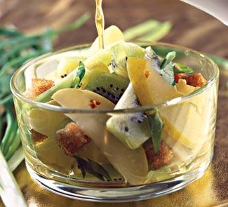 Рецепт Салат с мочеными яблоками