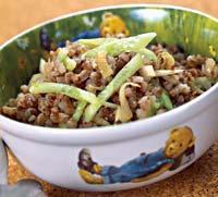 Рецепт Гречка с жареным луком и свежим огурцом