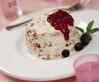 Рецепт Семифредо из рикотты с соусом из лесных ягод