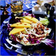 Рецепт Салат из манго и деревенского сыра