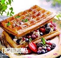 Рецепт Вафельный торт с ягодами