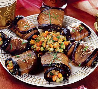 Рецепт Рулетики из баклажанов, папайи и огурца
