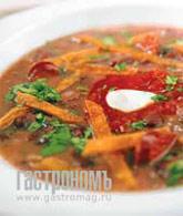 Рецепт Суп из черной фасоли с чипсами из тортильи и колбасками