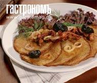 Рецепт Драники в горшочке с телятиной и черносливом