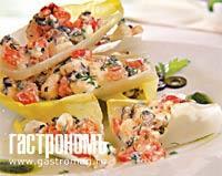 Рецепт Греческий салат на листьях эндивия
