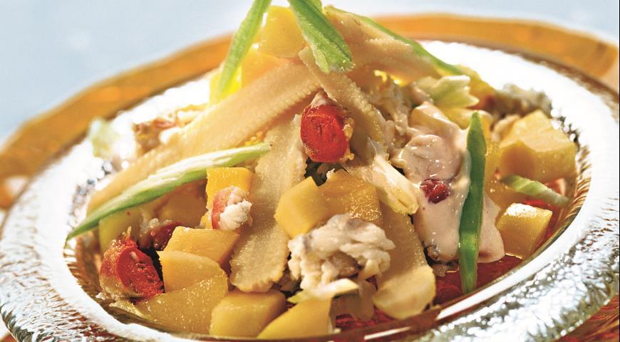 Рецепт Крабовый салат с манго