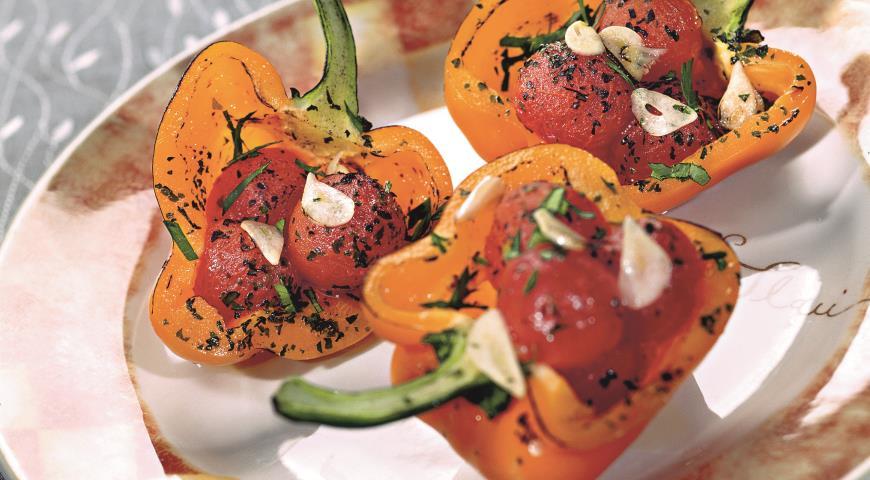 Рецепт Запеченные перцы с помидорами черри