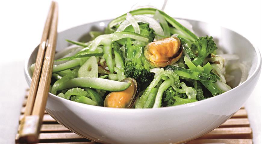 Рецепт Зеленый салат с мидиями