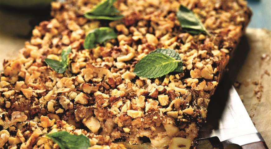 Рецепт Геркулесовый пирог с яблоками и инжиром