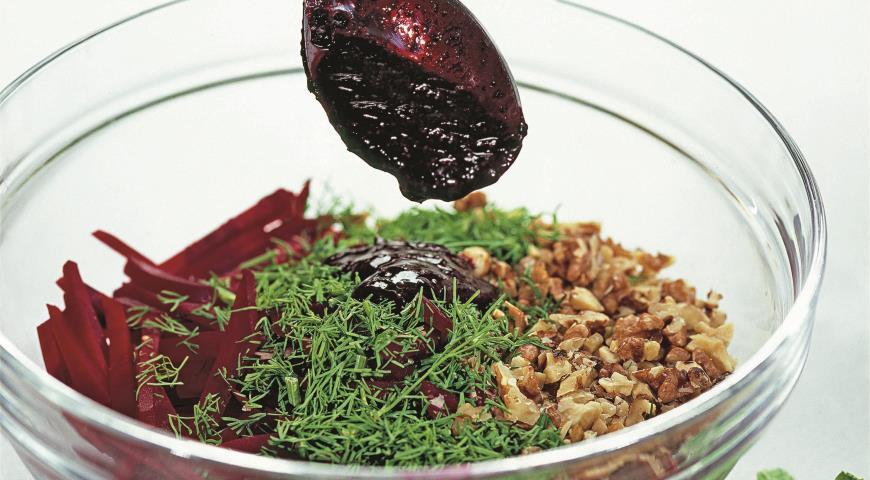Рецепт Салат из свеклы со смородиной