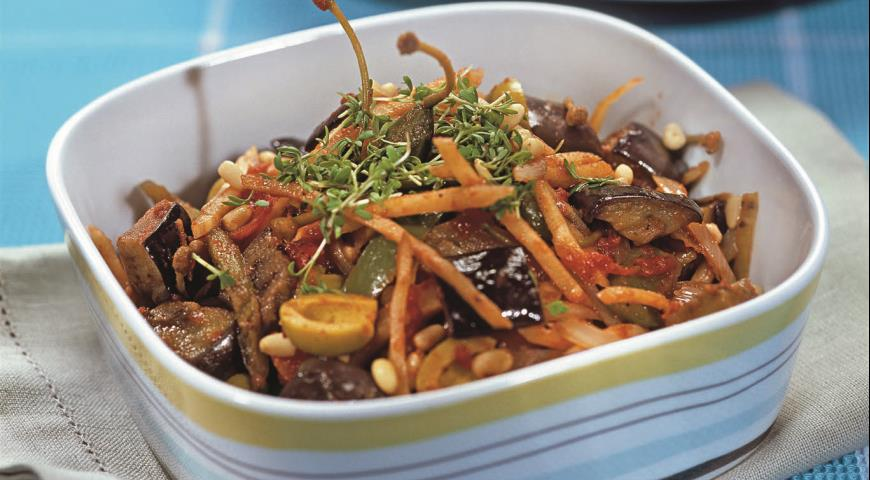 Рецепт Теплый овощной салат с кедровыми орешками