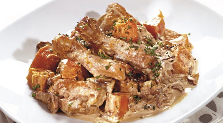 Рецепт Курица с тыквой и грибами