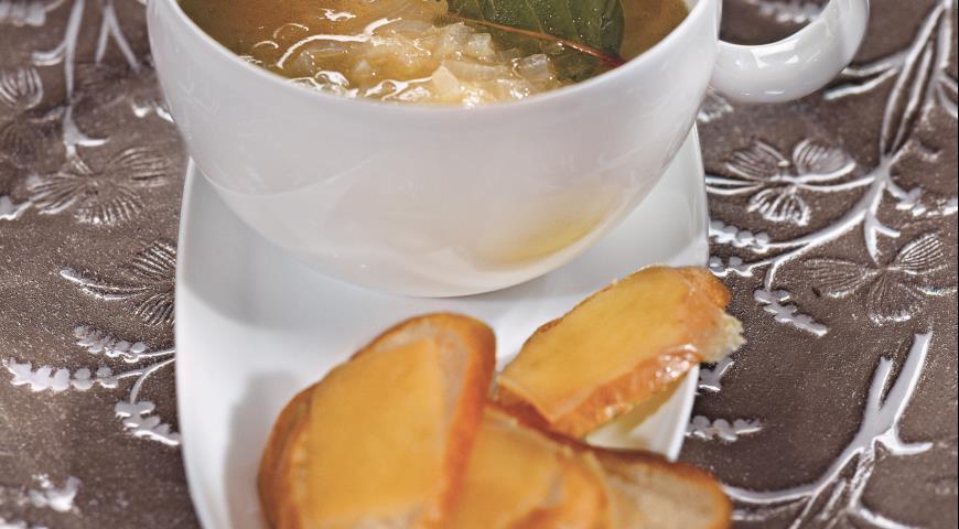 Рецепт Луковый суп с мадерой