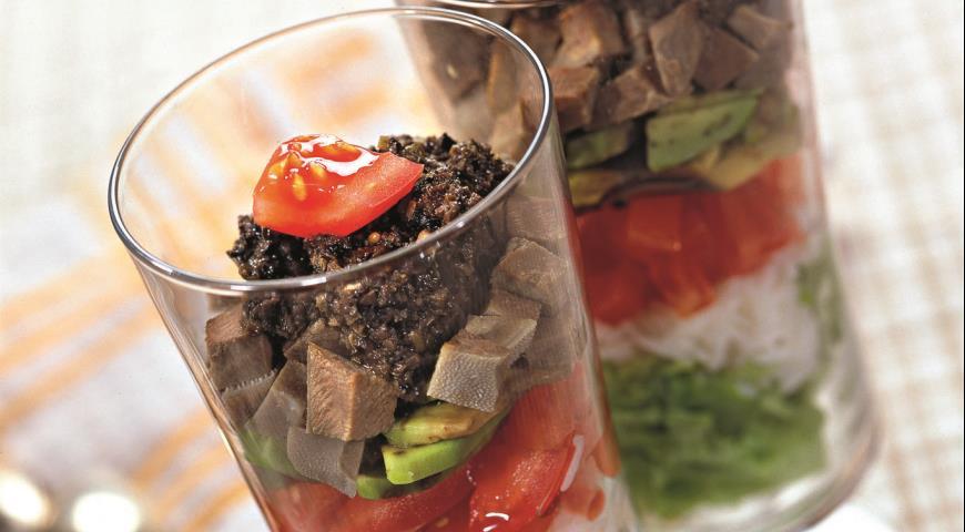 Рецепт Салат с языком и тапенадом