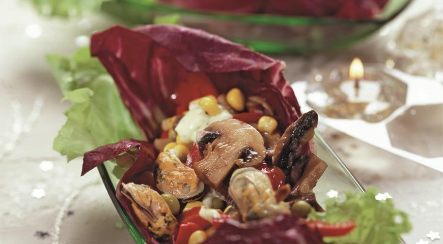 Рецепт Салат с мидиями и кукурузой
