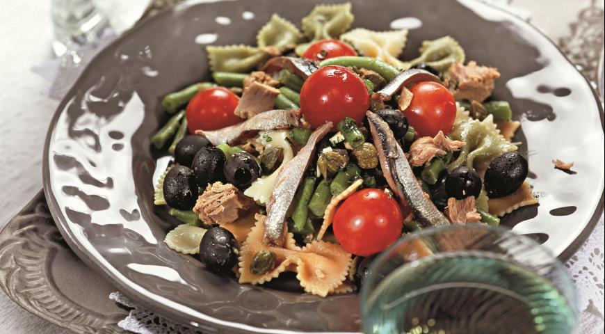 Рецепт Салат из тунца с макаронами