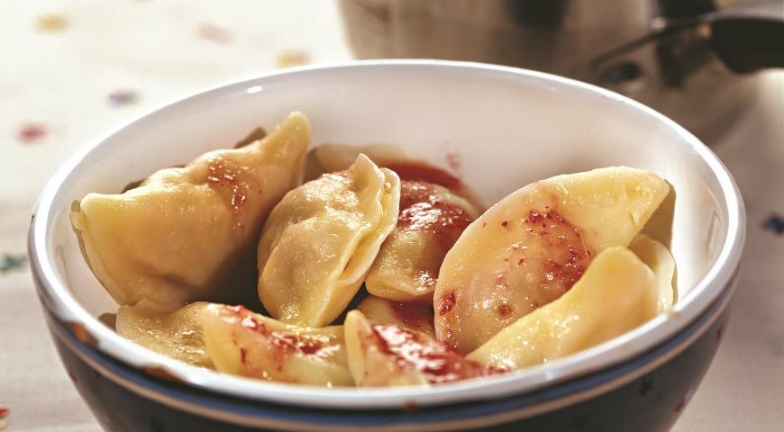 Рецепт Равиоли с уткой и брусничным соусом