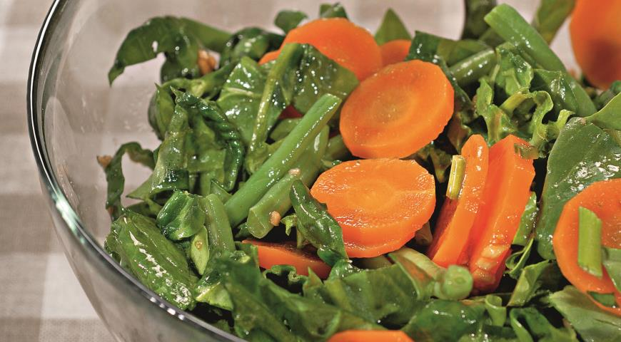 Рецепт Салат из моркови и шпината