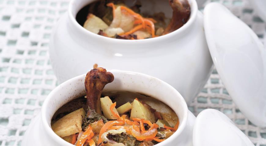 Рецепт Утка с яблоками в горшочках