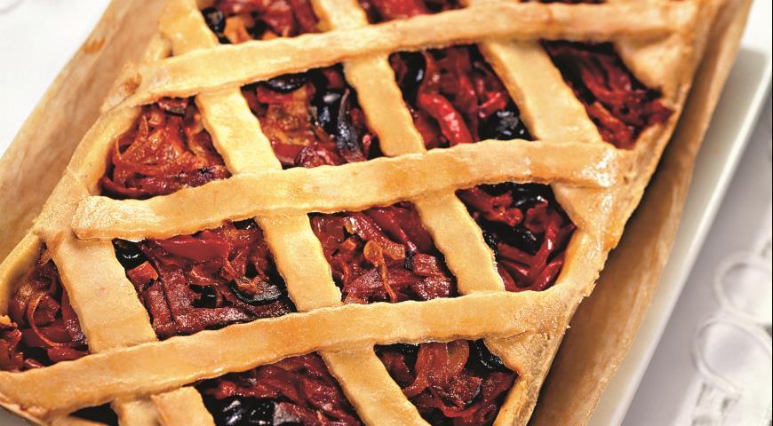 Рецепт Пирог с колбасой