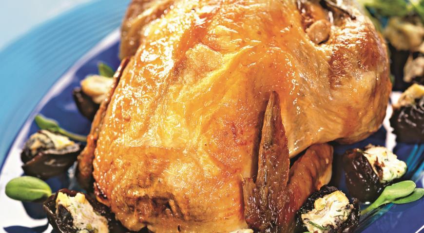 Рецепт Цыпленок, фаршированный творогом и орехами