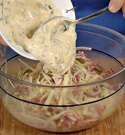 Также рекомендую этот салат тем, кто следит за фигурой, он содержит мало калорий
