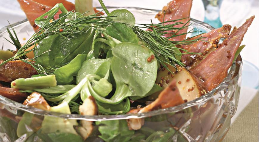 Рецепт Салат из ветчины с грушами