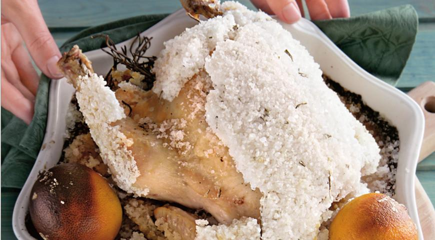 Курица запеченная в соли